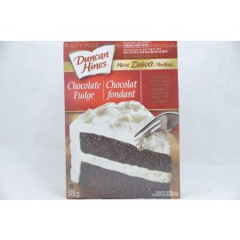 Duncan Hines Chocolate Fudge Premium Cake Mix 515g